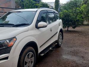 Mahindra XUV500 W6 (2014) in Sangli