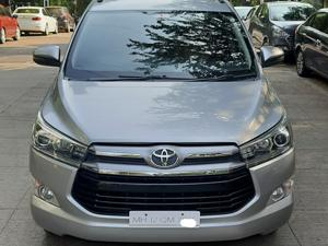 Toyota Innova Crysta 2.5 VX BS IV (2017) in Pune