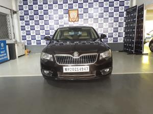 Skoda Superb 2.0 TDI CR AT Elegance (2014)