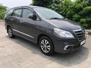 Toyota Innova 2.5 VX (Diesel) 7 STR Euro4 (2015)