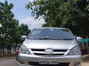 Toyota Innova 2.5 EV PS 7 STR