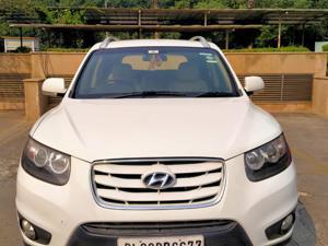 Hyundai Santa Fe 4 WD (AT) (2012) in Chandigarh