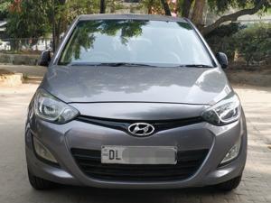 Hyundai i20 Magna Petrol (2014) in New Delhi