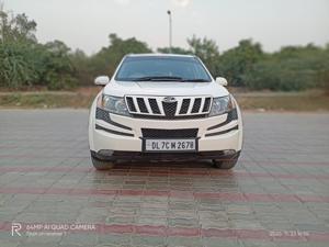 Mahindra XUV500 Xclusive (2015) in New Delhi