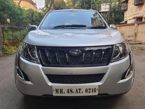 Mahindra XUV500 W6 FWD (2017)