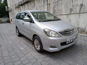 Toyota Innova 2.5 VX 8 STR BS IV (2010) in Thane