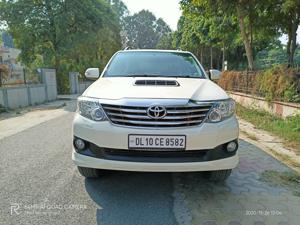 Toyota Fortuner 3.0 4x4 AT (2015) in Faridabad
