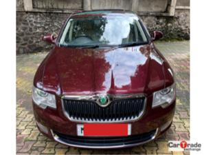 Skoda Superb 2.0 TDI CR AT Elegance (2011) in Pune