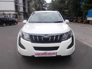 Mahindra XUV500 W6 FWD (2016) in Mumbai