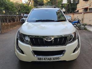 Mahindra XUV500 W9 (2018)