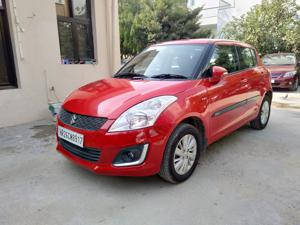 Maruti Suzuki Swift ZXi (2015) in New Delhi