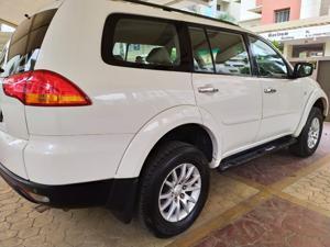 Mitsubishi Pajero Sport 2.5 MT 4X4