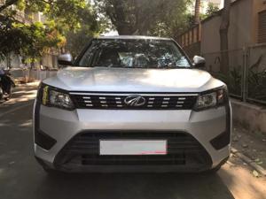 Mahindra XUV 300 1.2 W6
