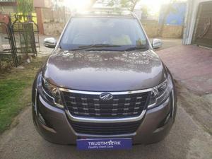 Mahindra XUV500 W11 (O) AWD AT