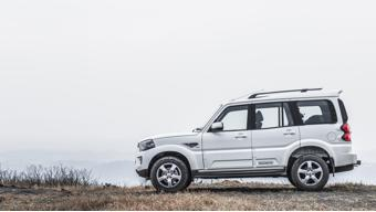 Top-end Mahindra Scorpio variants now get Android Auto and Apple CarPlay