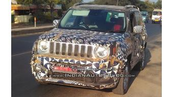 Updated Jeep Renegade spied on test