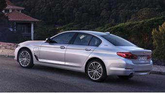 BMW 530e plug-in hybrid powertrain detailed