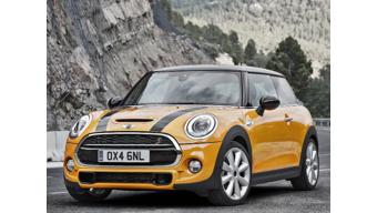 New Mini Cooper launched in India for Rs. 31.85 Lakh