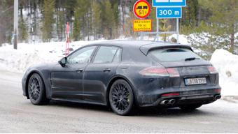 A mildly camouflaged Porsche Panamera Sport Turismo spotted
