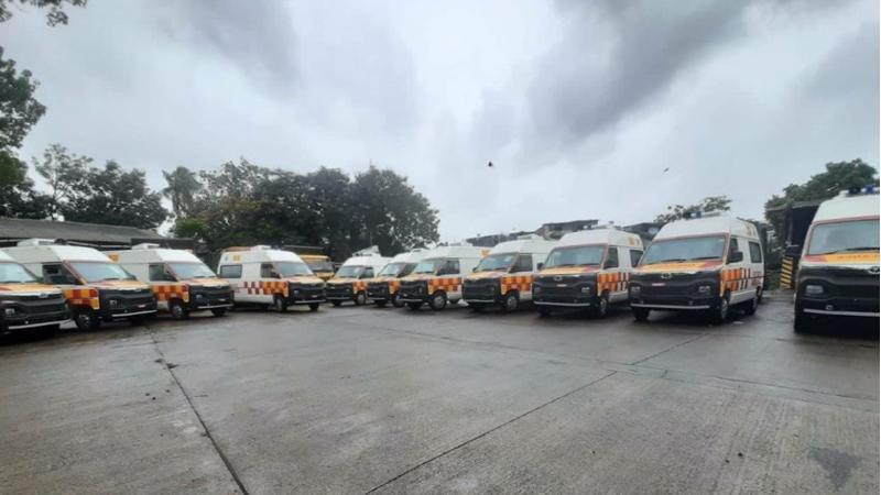 Tata Motors gives 20 units of Winger Ambulance to the BMC