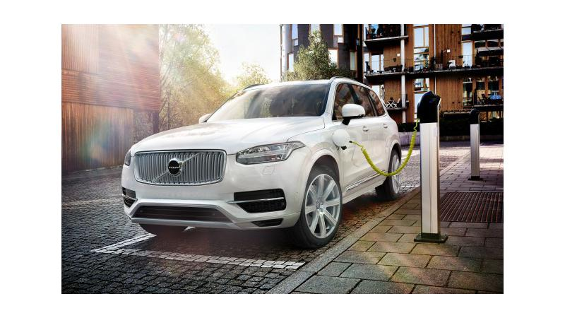 Volvo XC90 T8 Excellence offered with two charging station installations
