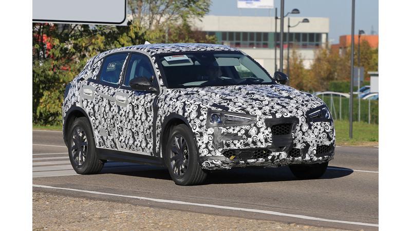 Alfa Romeo Stelvio SUV spied again