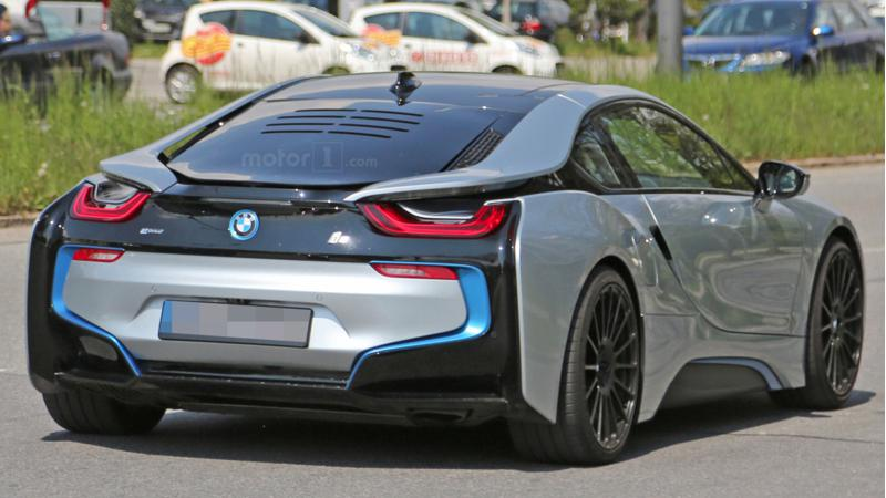 BMW's new i8 spotted in Germany