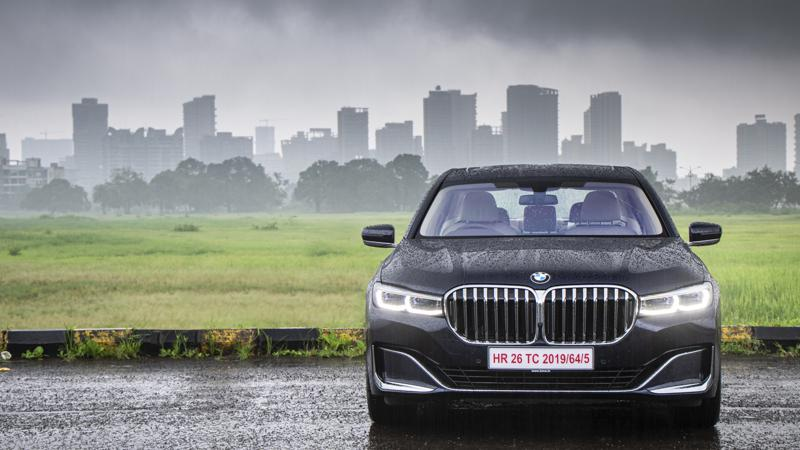 BMW announces price hike of all models from 4 January 2021