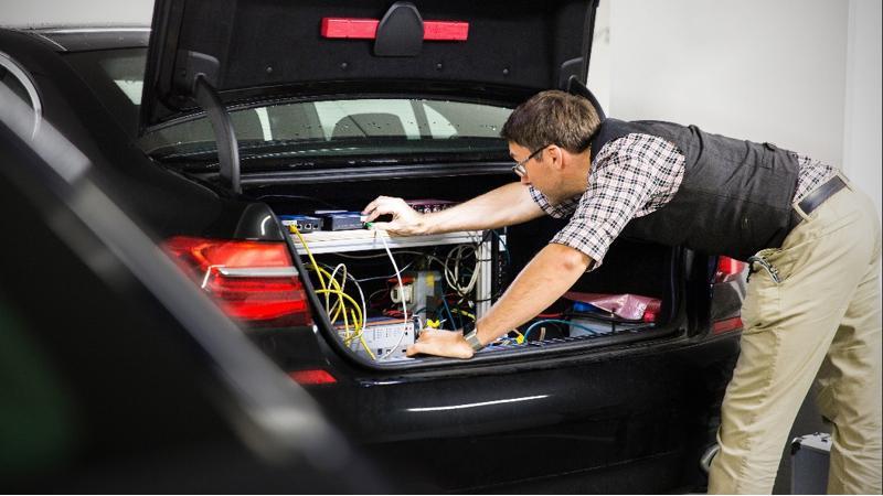 BMW builds autonomous driving R&D center in Germany