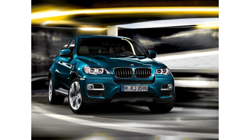BMW X6 at 2013 TCS World 10K run in Bangalore; Enticing offers on X1 and 3 Series