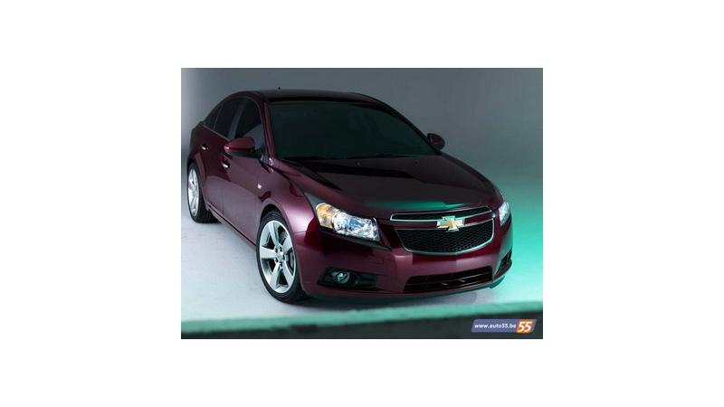 Chevrolet Cruze Sales Drop Steeply Gm Shuts Production Temporarily Cartrade