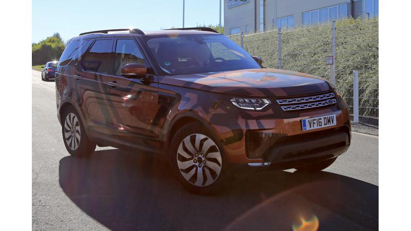 Fifth generation Land Rover Discovery caught testing