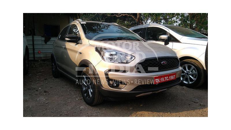 Ford Freestyle spied at dealership