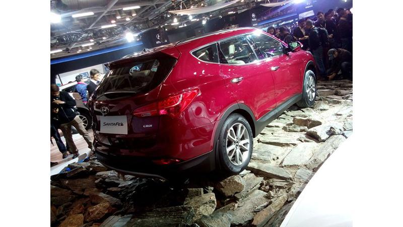 Hyundai Santa Fe unveiled at the Auto Expo 2014