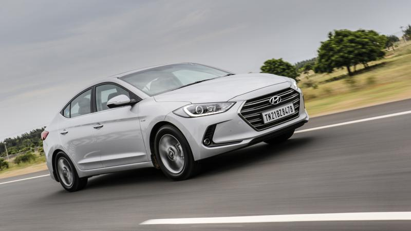 Hyundai Elantra SX (O) AT gets updated features