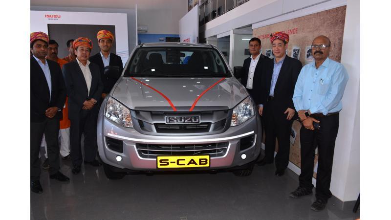 Isuzu inaugurates a new dealership in Gujarat