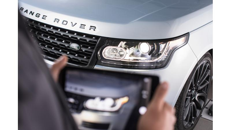 Jaguar Land Rover offers contactless purchase and service experience