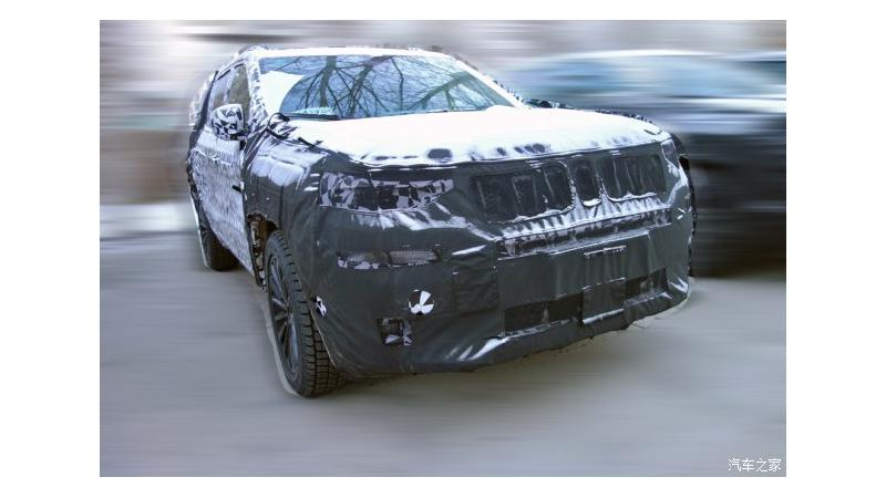 Interior spy shot images of Jeep Grand Commander emerge
