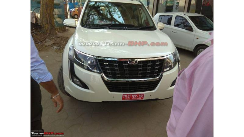 Mahindra XUV500 facelift to be launched in India tomorrow