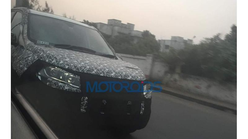 Mahindra XUV500 facelift spotted on-test