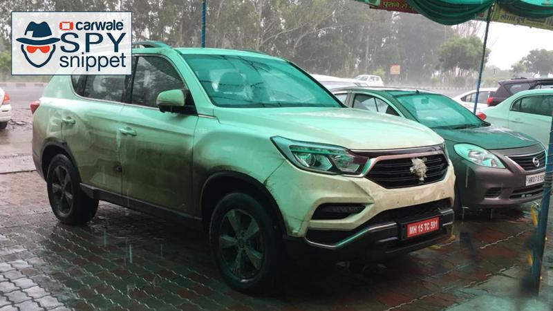 Mahindra XUV700 Spied