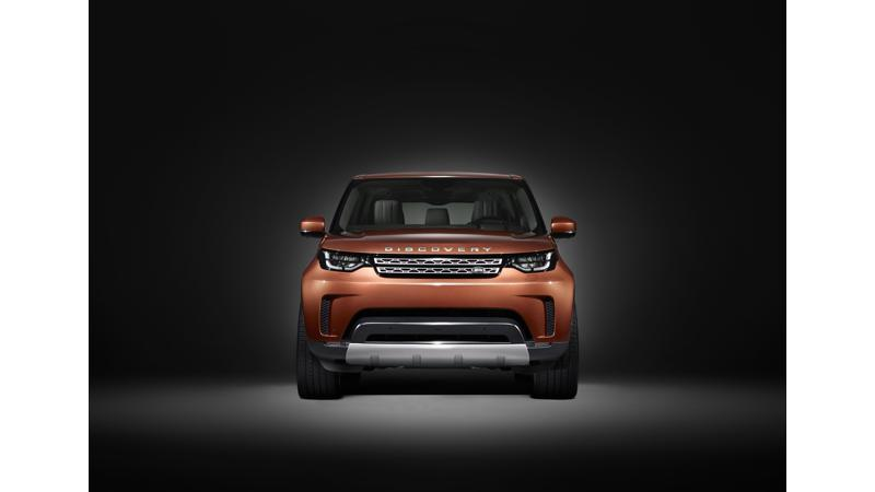 2017 Land Rover Discovery to come with remote folding seats