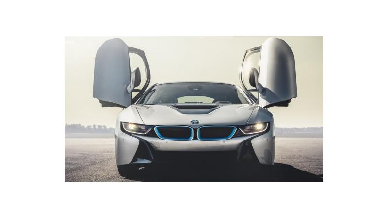 Next gen BMW i8 speculated to carry three electric motors