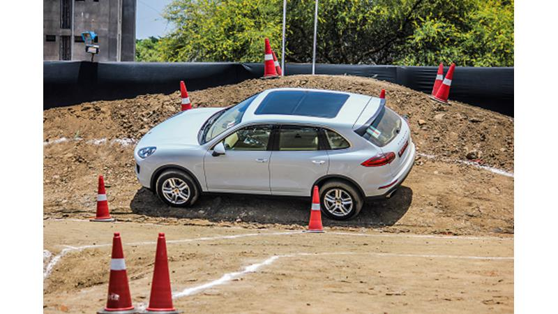 Porsche organises an adventure drive in Mumbai