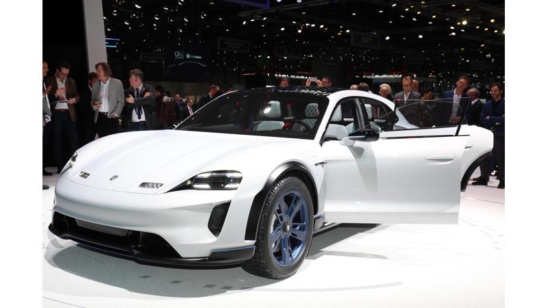 2018 Geneva Motor Show: Porsche reveals Mission E Cross Turismo