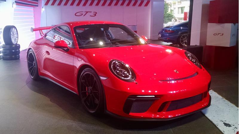 Porsche 911 GT3: Top Five features
