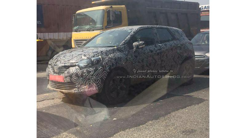 Renault Kaptur snapped on test in India