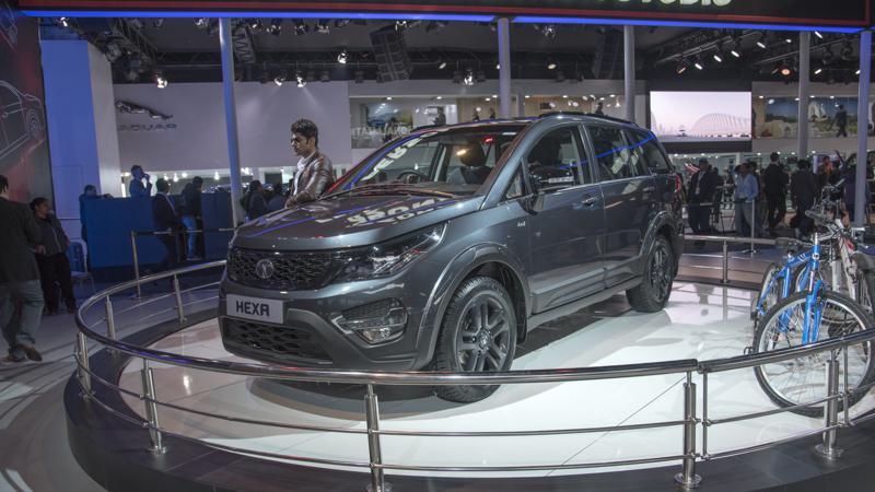 Tata Hexa Vs Mahindra XUV500 - The big SUV camp