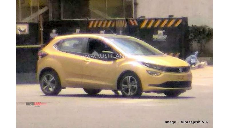 Tata Altroz spied without camouflage