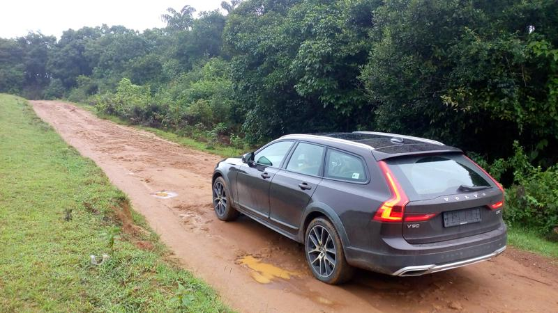 Volvo V90 Cross Country to be launched in India on July 12
